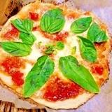 薄力粉で☆モッツァレラチーズとトマトピザ