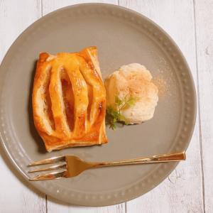 冷凍パイ生地で簡単アップルパイ