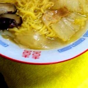具だくさんスープの中華そば