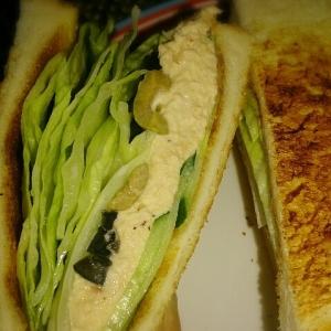 大人の朝味☆ツナとオリーブのトーストサンド