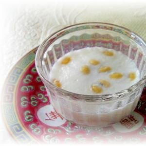 香港スイーツ♪椰汁黄豆糕(大豆入りココナツプリン)