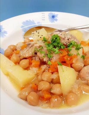 フランス母の味!鶏もも肉とひよこ豆のキャセロール♪