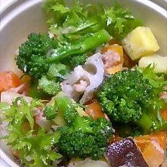 野菜たっぷり!!青じそ梅風味サラダ
