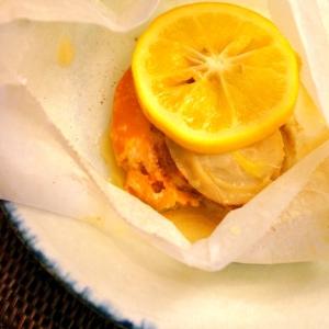 レモンが爽やか〜♪帆立の塩麹バター包み焼き