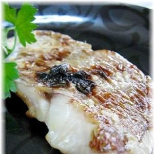 旨みがアップ!鯛の塩麹焼き