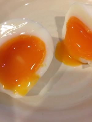 水から茹でる半熟卵