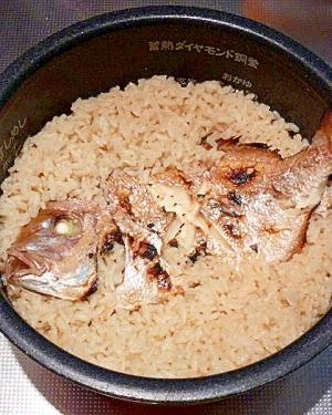 おこげが美味しい♥炊飯器で作る本格「鯛飯」