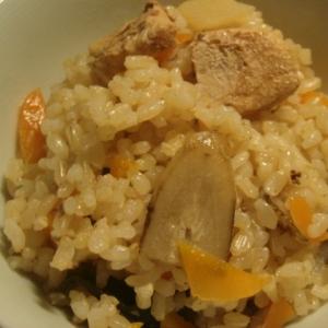 昆布も食べる玄米炊き込みごはん うす味