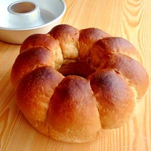 ホームベーカリーで生地作り☆黒糖リングパン