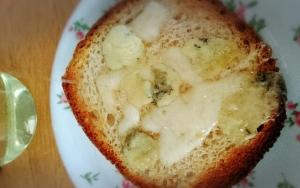 ハチミツとブルーチーズのトースト