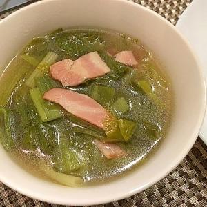 レタスとセロリのコンソメスープ
