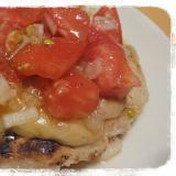 トマト&チーズの大きいチキンハンバーグ