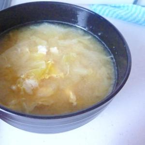 ☆優しい甘さ♪ キャベツと卵のお味噌汁☆
