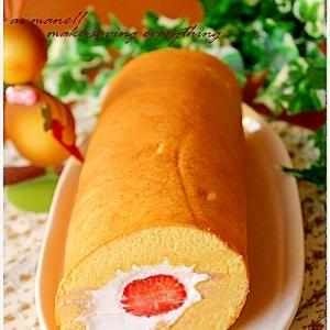 真ん中苺のロールケーキ