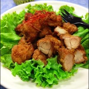 タイの屋台風 豚のにんにく胡椒揚げ