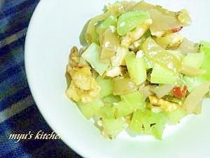 パクパク食べちゃう!セロリ&ザーサイくるみサラダ