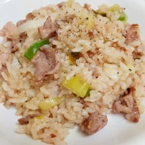 簡単コク旨!(^^)豚肉と長ネギのオイマヨ炒飯♪
