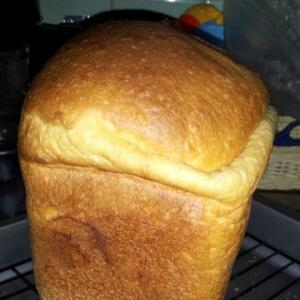 HBお任せのクリームチーズ食パン