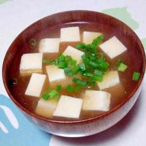 麦みそで豆腐の味噌汁