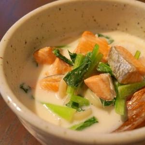 鮭と小松菜の味噌ミルクうどん