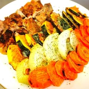 給料日前のストック野菜とチキンのグリル