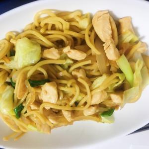 台湾風焼きそば!鶏ササミ炒麺(チャーメン)