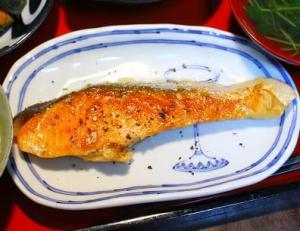 秋鮭のバター焼き