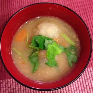れんこん団子のアツアツ味噌汁