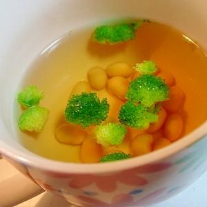 水煮大豆とブロッコリーの汁物