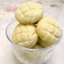 簡単サクサク☆メロンパン風ひとくちメロンクッキー