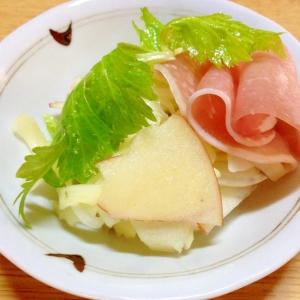 セロリとりんゴと玉ねぎのサラダ