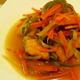 野菜もたっぷりとれる!鮭の南蛮漬け