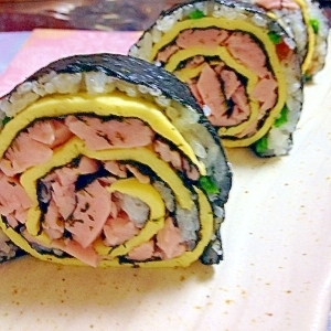 ソーセージでお花の巻き寿司