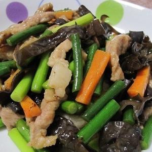 五香粉で中華★豚肉とにんにくの芽の炒めもの