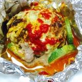 プチトマトが入ったチーズハンバーグのホイル焼き