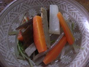 素朴でおいしい根野菜のダシ煮