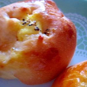 生地はH.Bで。ハムとジャガイモもミニ惣菜パン