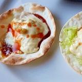 2つの味が楽しめる☆餃子の皮で簡単ピザトースト風