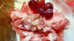 スイカかき氷にブドウ、無花果、ジャムを
