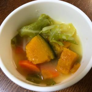 幼児食 栄養満点★かぼちゃと新キャベツの味噌汁