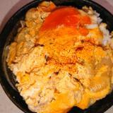 いろいろな部位の鶏肉の親子丼