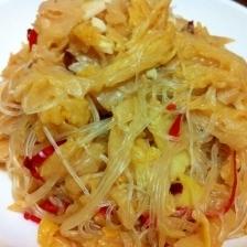 白菜の水キムチと春雨の炒め物