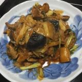 豚肉のキムチ味の炒め物