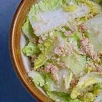 白菜と梅おからのサラダ