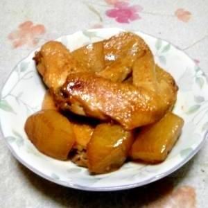 濃くウマ大根と鶏手羽先の簡単煮物