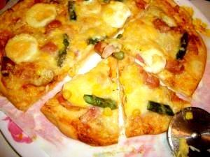 パリパリおいしい♪ クリスピー生地のミックスピザ☆