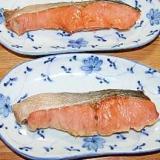 ふしぎなお皿で電子レンジ4分チン!生鮭の蒸し焼き