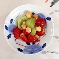 キウイといちごの簡単サラダ