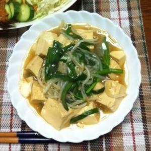 ニラ、もやし、豆腐の和風煮