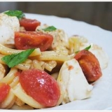 トマトと水牛のモッツァレッラの冷製カサレッチェ